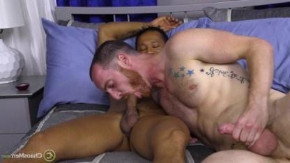 Гей снял себе на вечер азиатского извращенца, чтобы резко натянуть его попку