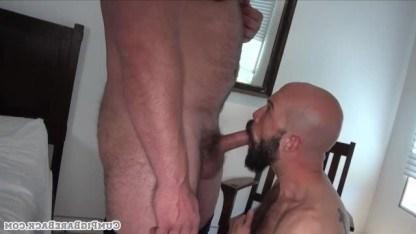Зрелые мужики познают свою истинную натуру в жестком анальном сексе